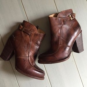 Bed Stu Isla Stacked Heel Boot